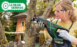 sierra de bateria para cortar ramas y arbustos